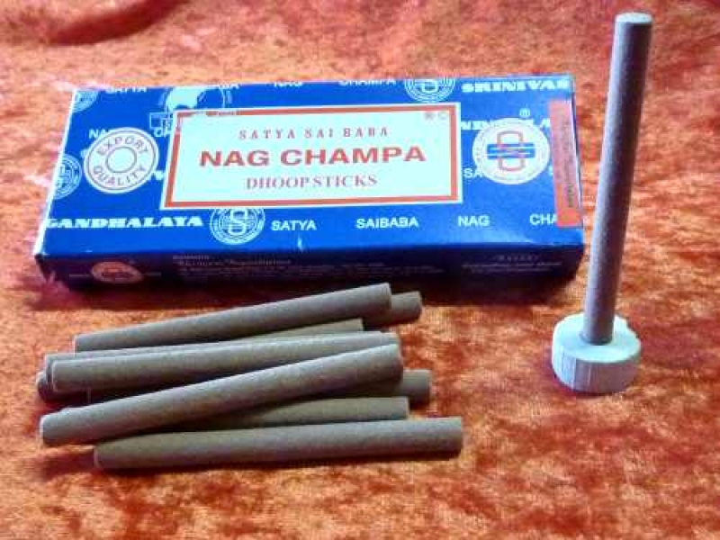 Satya Nag Champa Dhoop Sticks   10 Stck